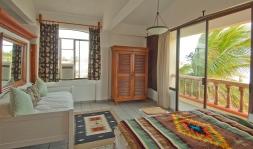 Room 4 - Master King Suite